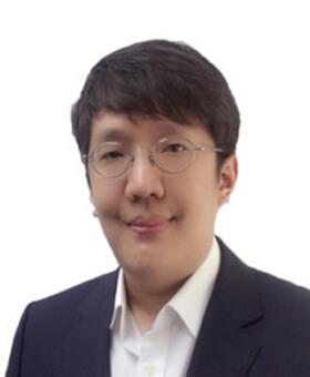 Hyunsuk Lee
